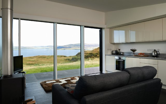 Contemporary self catering at An Airigh Isle of Skye